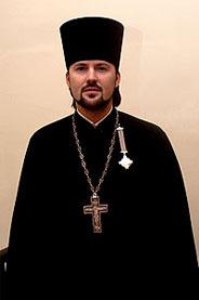 Священник  Андрей Грозовский